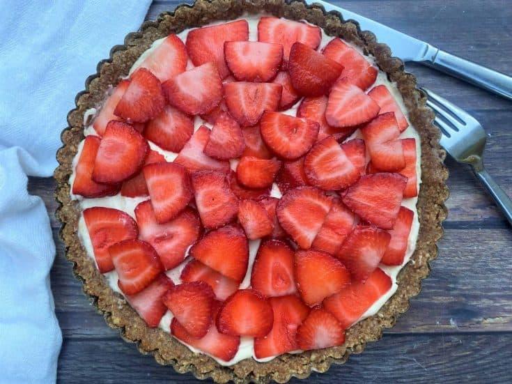 Simple Strawberry Mascarpone Tart